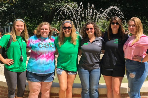 Senior Class Exec Board Fall 2019 in Front of Fountain